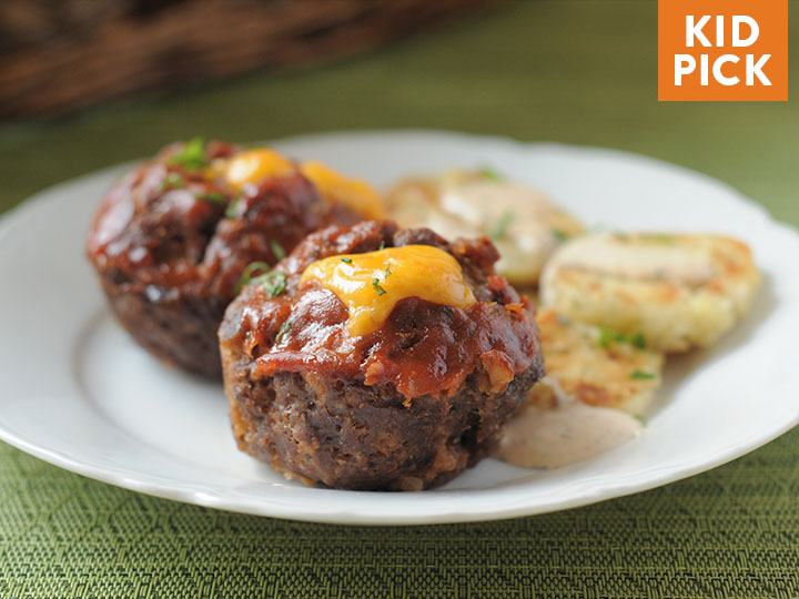 Cheddar-Filled Mini Meatloaves with Cheesy Stovetop Cauliflower