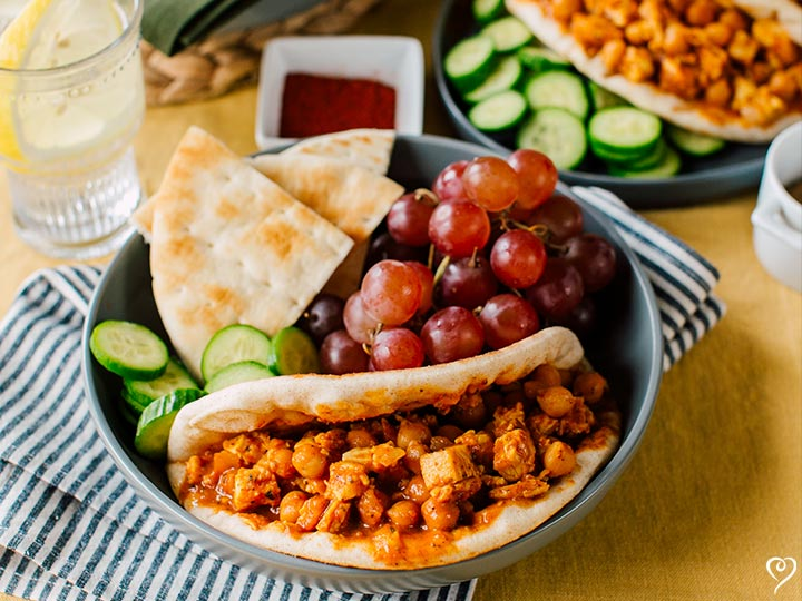Spiced Chicken and Chickpeas with Pita Bread